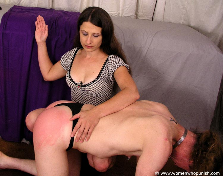 Girl fucked missionary style